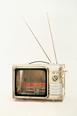 Edward Kienholz emigra para o Los Angeles em 1952 depois que o pessoal ou o vendedor de carro usado do sanatório adquirissem uma variedade de trabalhos. Eu começo criação depois de administração de galeria de arte. O trabalho que fez submissão de problema enquanto mencionando um tabu da sociedade moderna foi apoiado por perspicácia funda embora sendo sensacional. Depois das 1972, eu anunciei o trabalho através de co-produção com Nancy .....